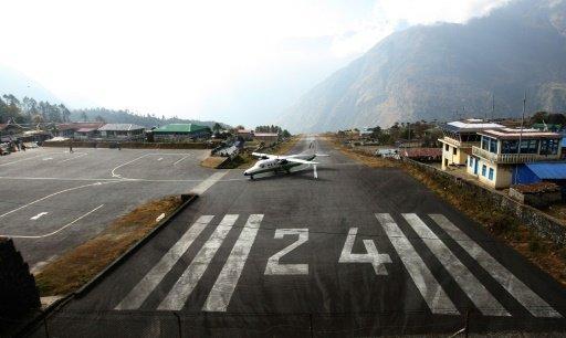 """هل يستحق مطار """"لوكالا"""" في """"نيبال"""" بالفعل لقب """"أخطر مطار في العالم""""؟"""