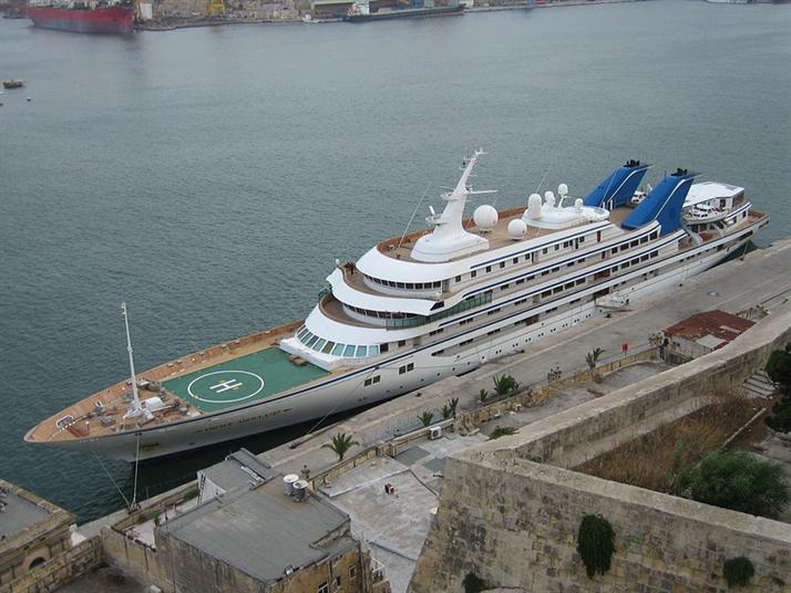 بالصور الحكام العرب يمتلكون اكبر سفن ويخوت فى العالم