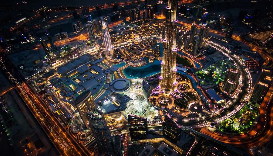 بالصور: مناظر التقطت لـ دبي  ليلاً من أعلى