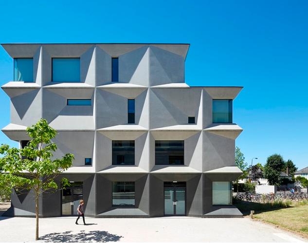 بالصور: هذه المدرسة فازت بجائزة أفضل تصميم معماري في المملكة المتحدة